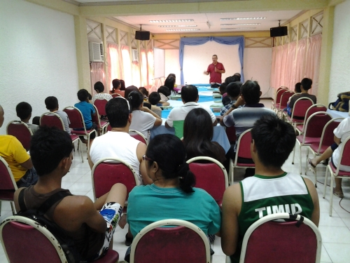 Brod Boy Leads the First Session of the  Retreat of the Digos and Davao Fellowships