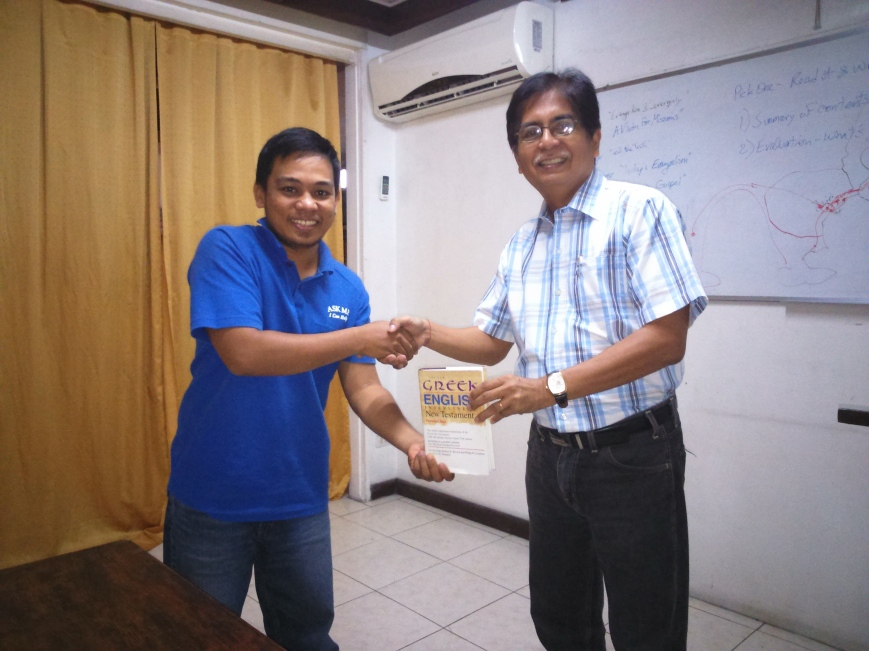 Other Pix: Bro Arman receives his prize for topping Greek (RBIPT)